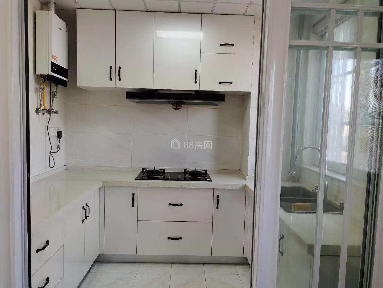 鹽龍公園青年華都附近 西城華寓 精裝小三房出售